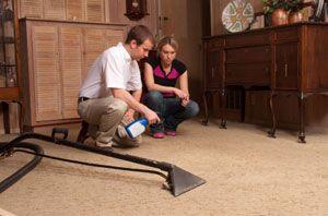 technician complaining carpet cleaning